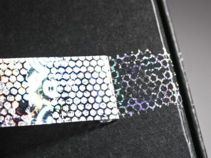 Hologramm-Etiketten mit Delaminationseffekt